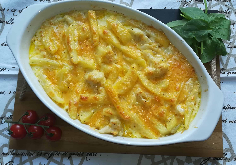 Zapečené zemiaky s karfiolom v domácej holandskej omáčke