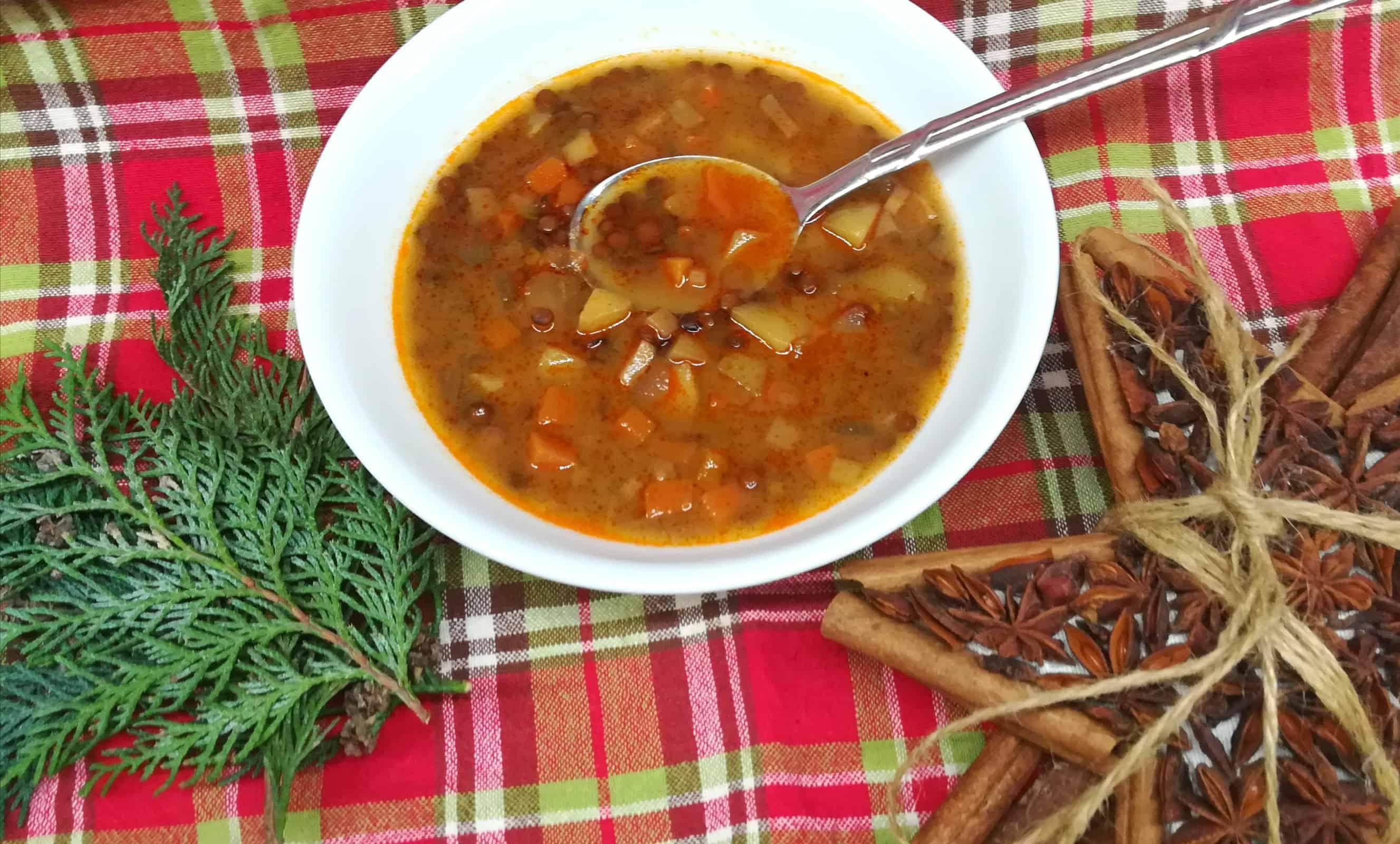 Šošovicová polievka s podmaslím