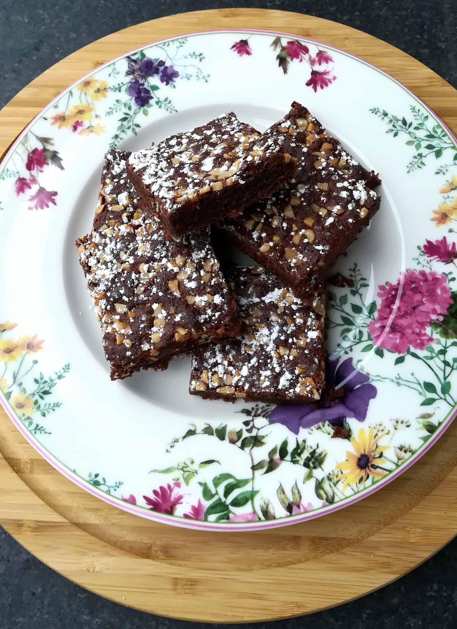 Bezlepkové brownies so sekanými mandlami