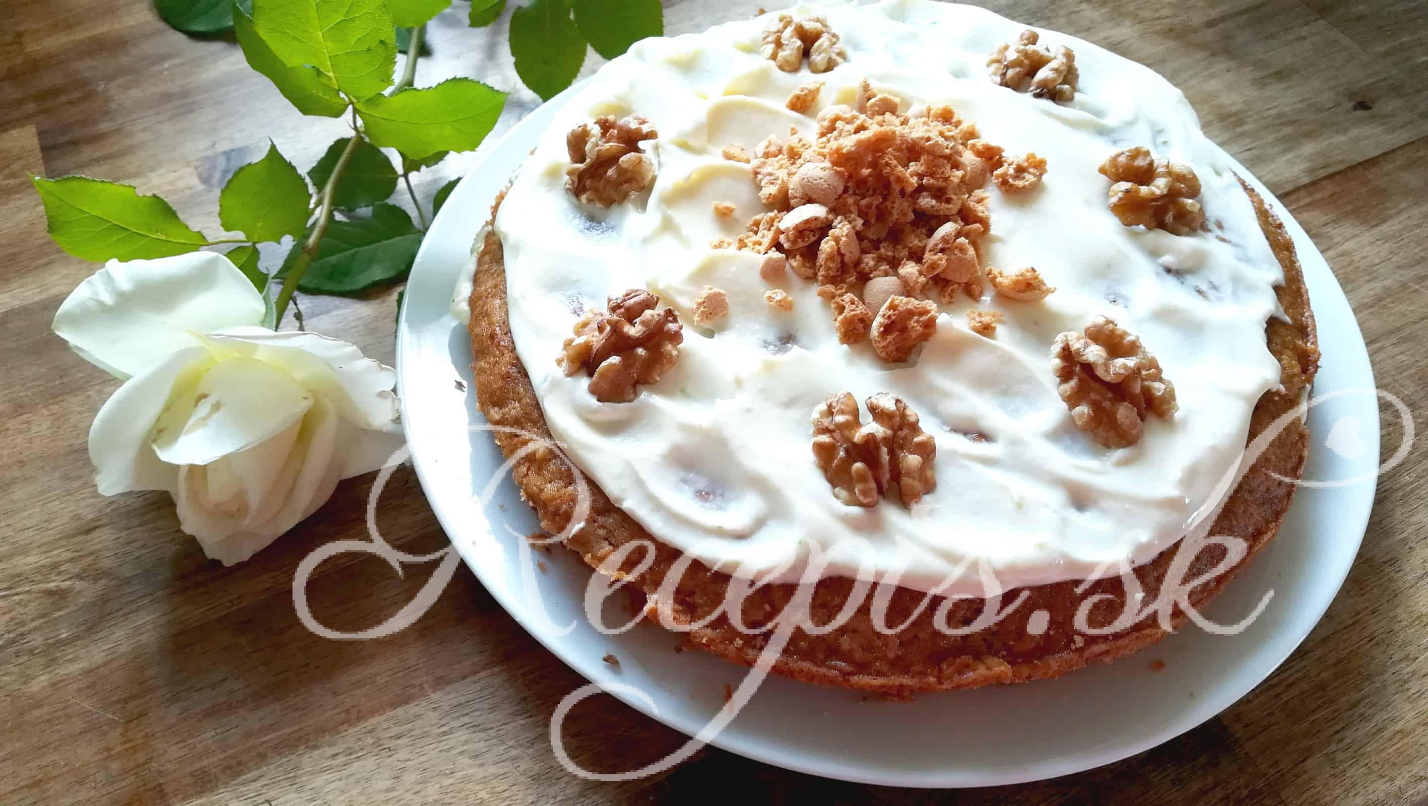 Mrkvový koláč s vlašskými orechami