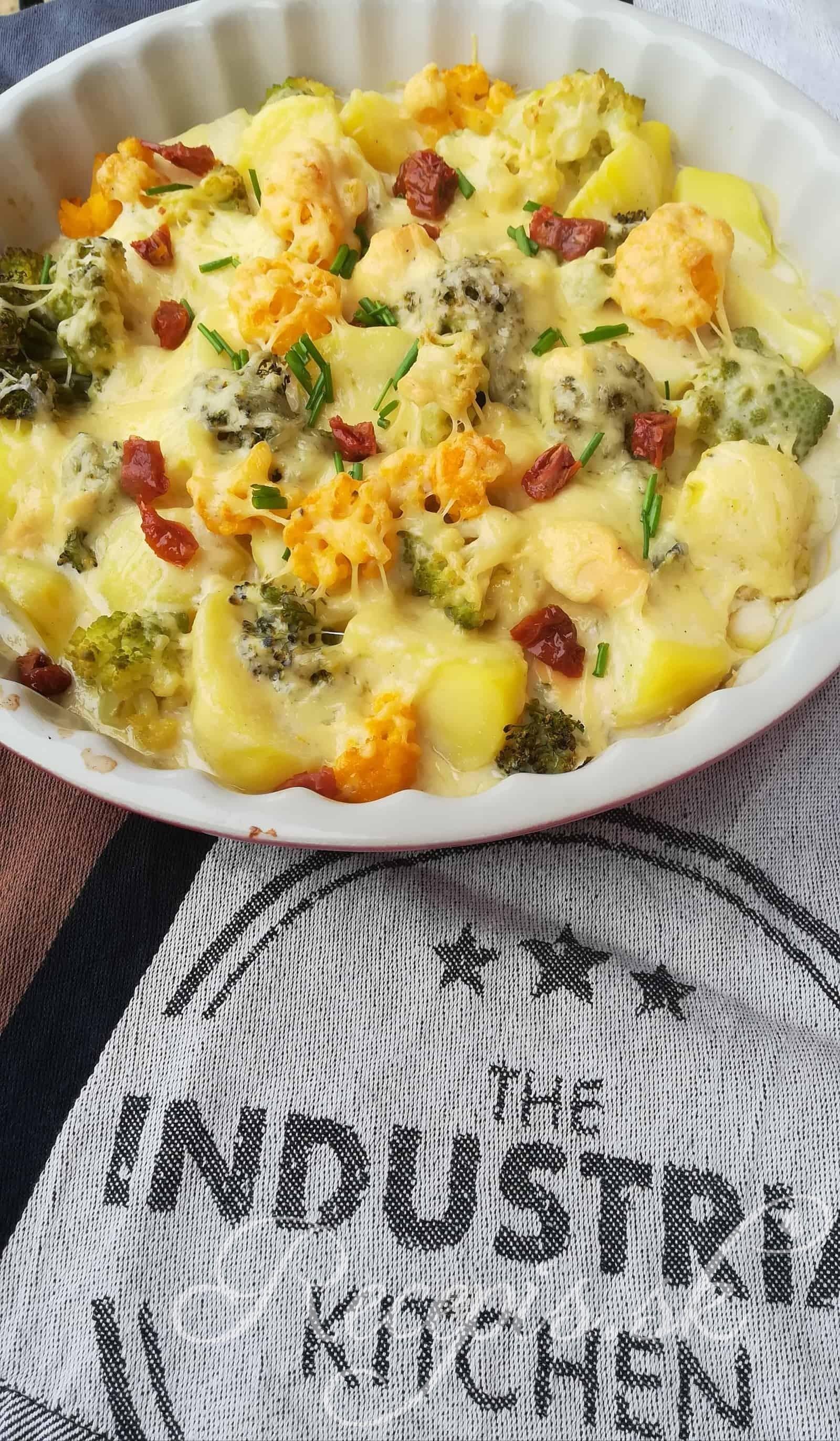 Zelenina zapečená v syrovej omáčke