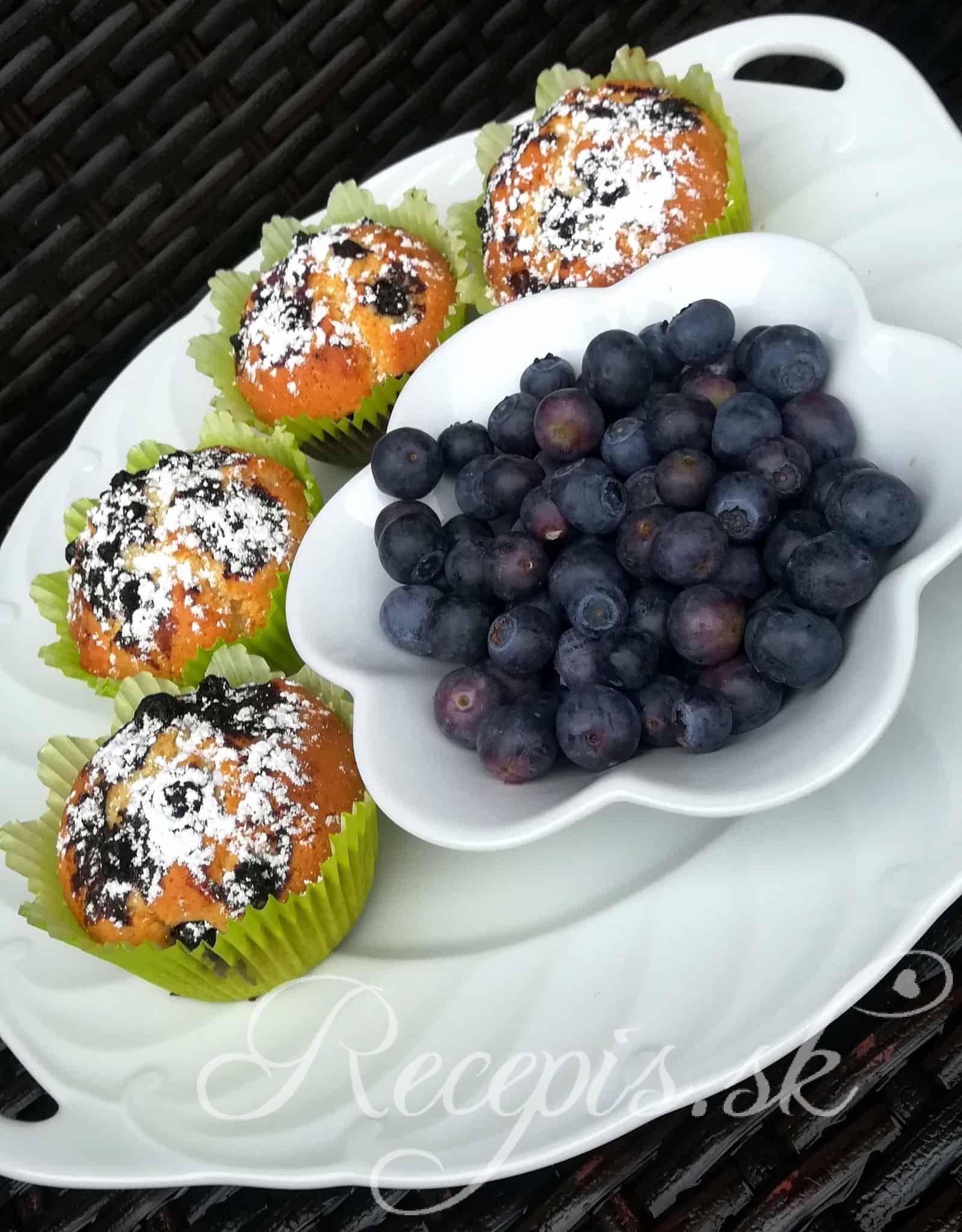 Jednoduché muffiny s čučoriedkami