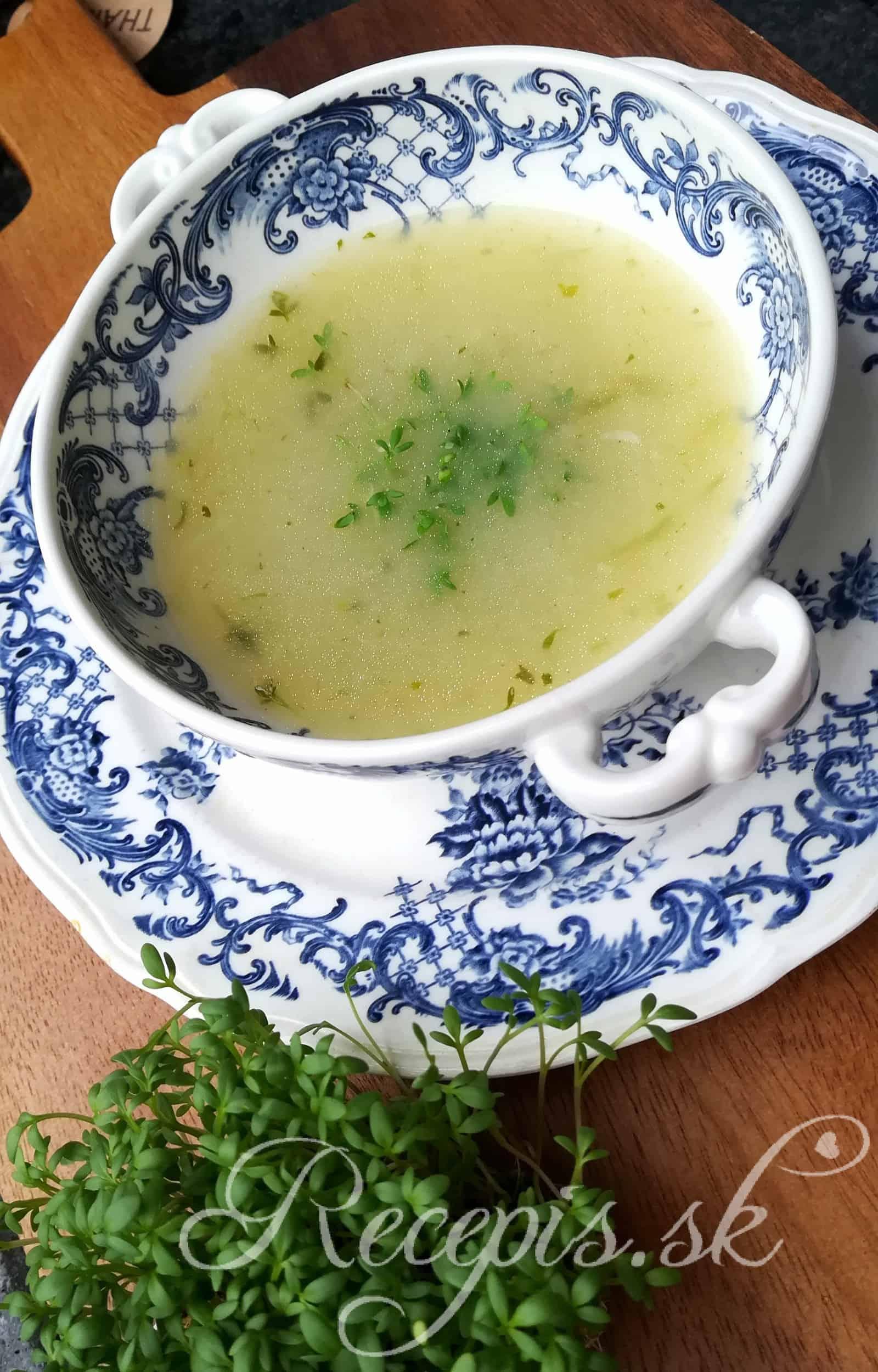 Krémová jarná polievka