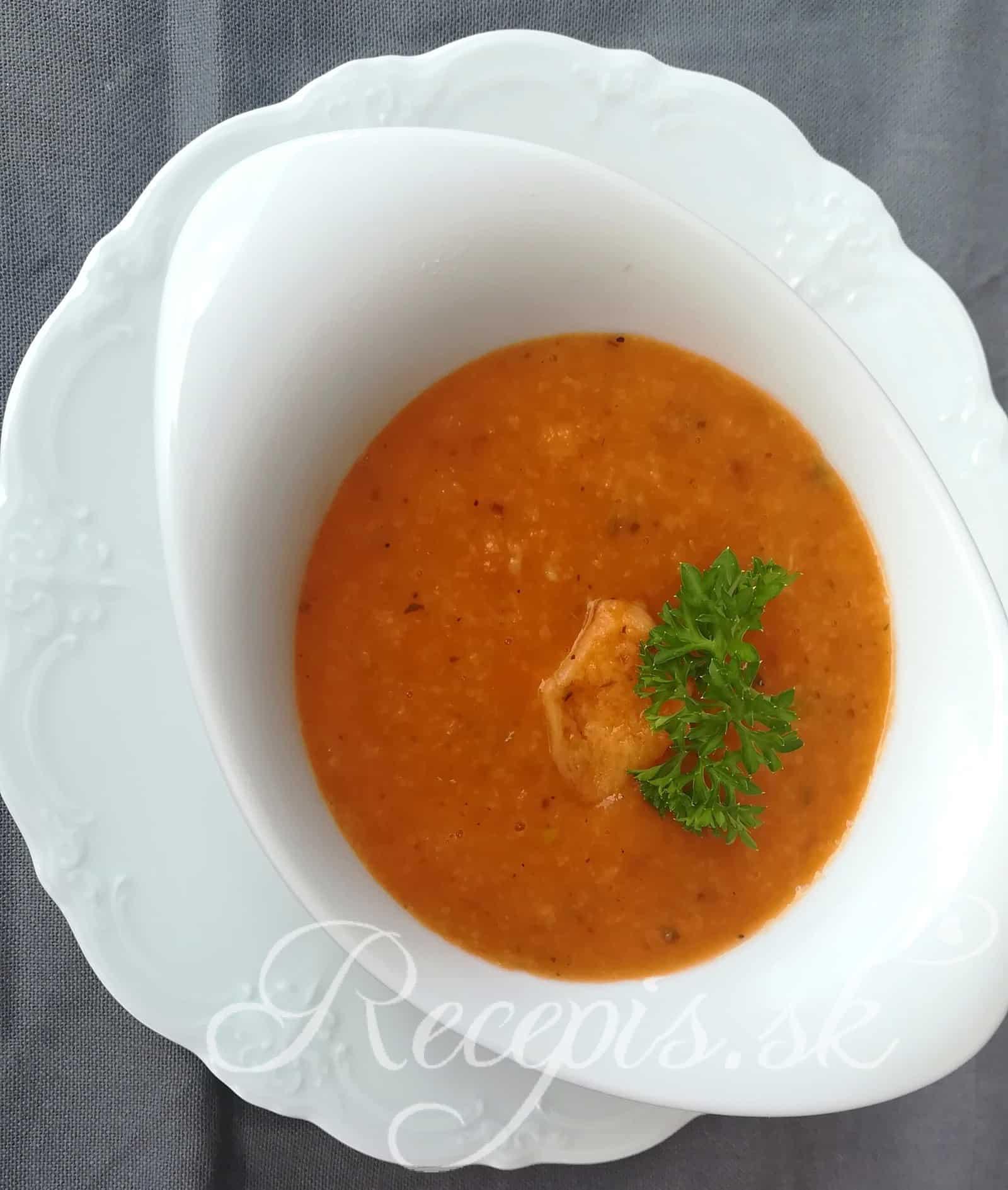 Chlebová rajčinová polievka