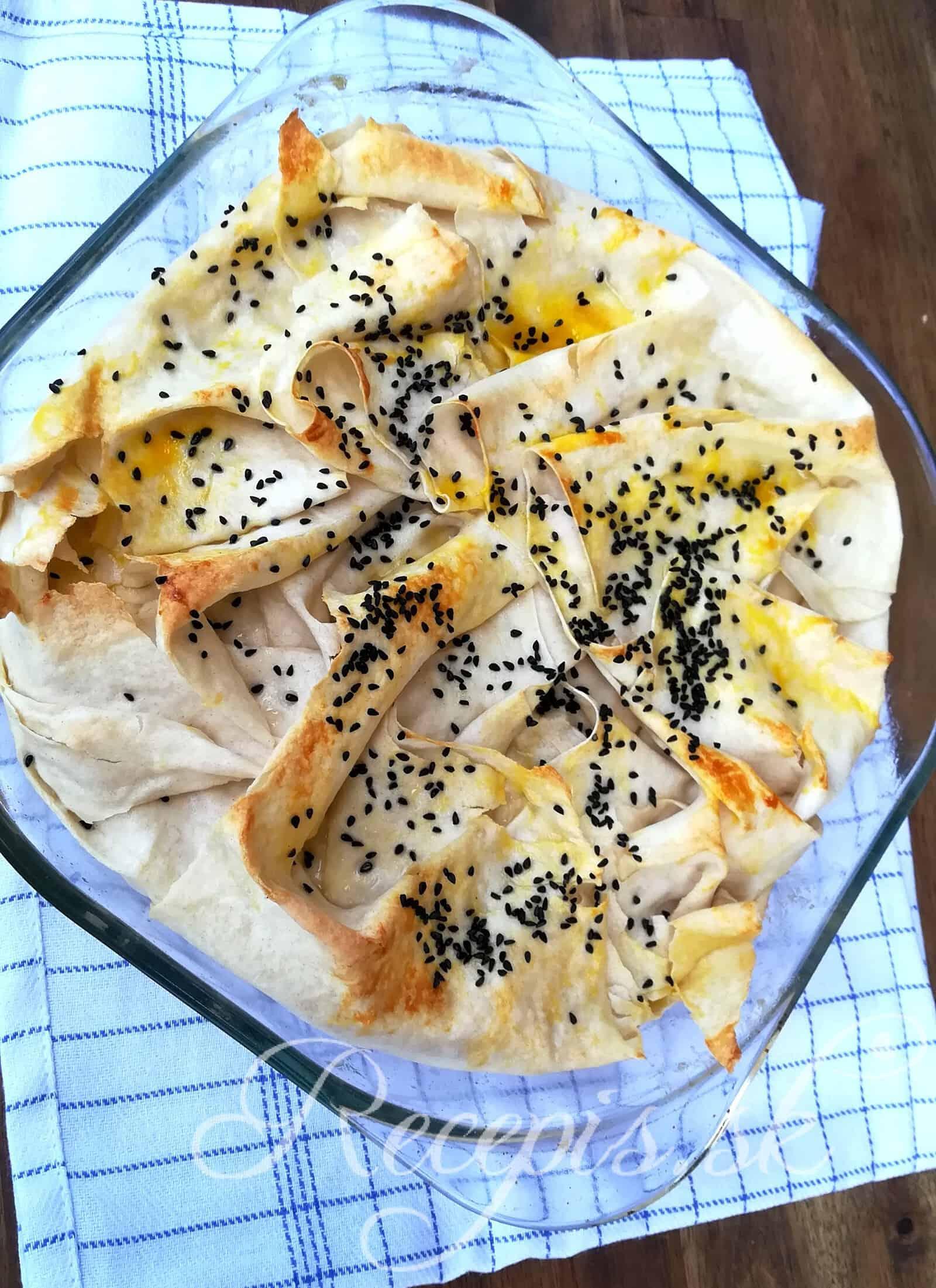 Börek s mäsovou a zemiakovou plnkou
