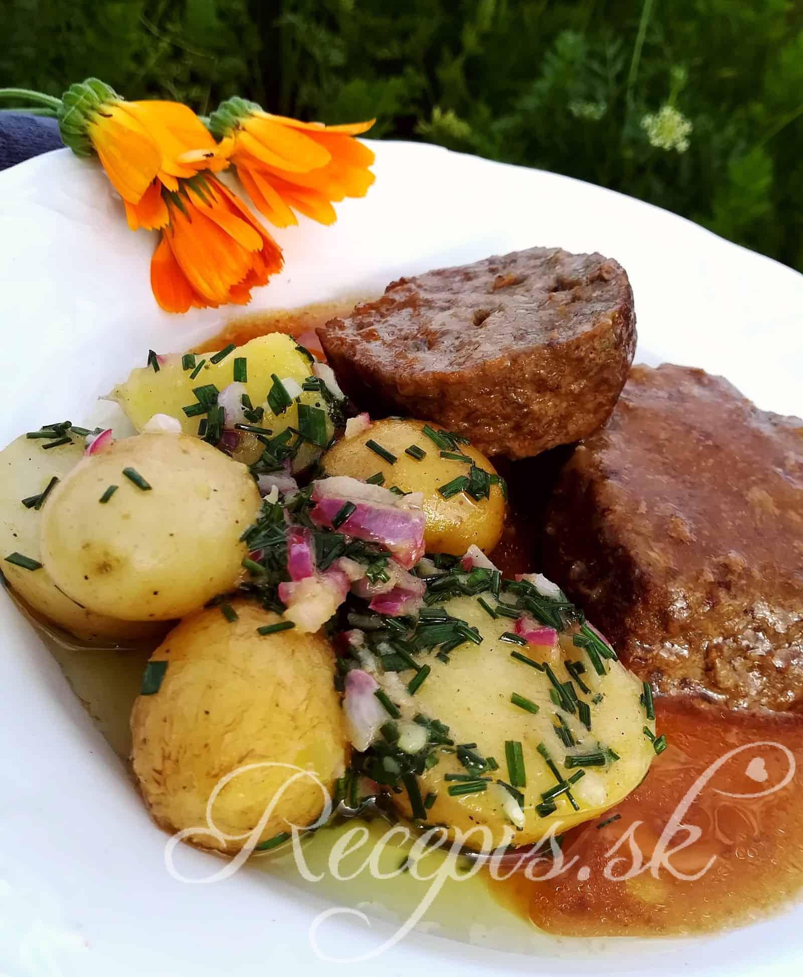 Tradičný dánsky zemiakový šalát