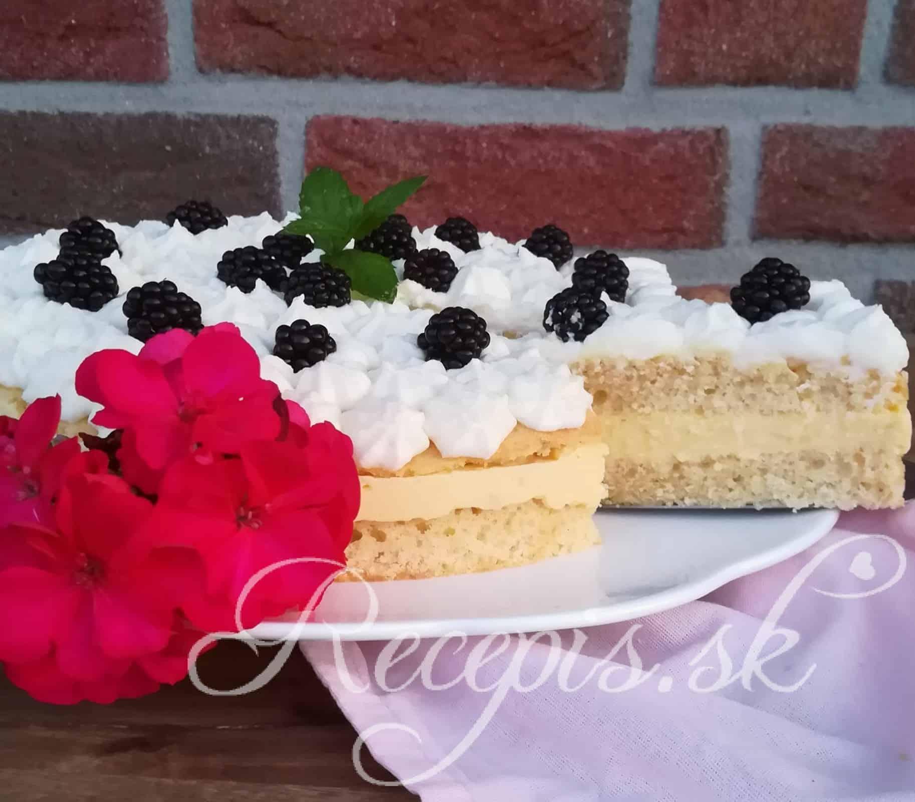 Lahodná mandľová torta so žĺtkovým krémom