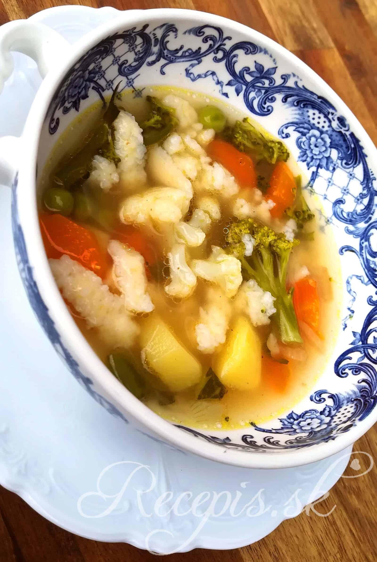 Biela zeleninová polievka