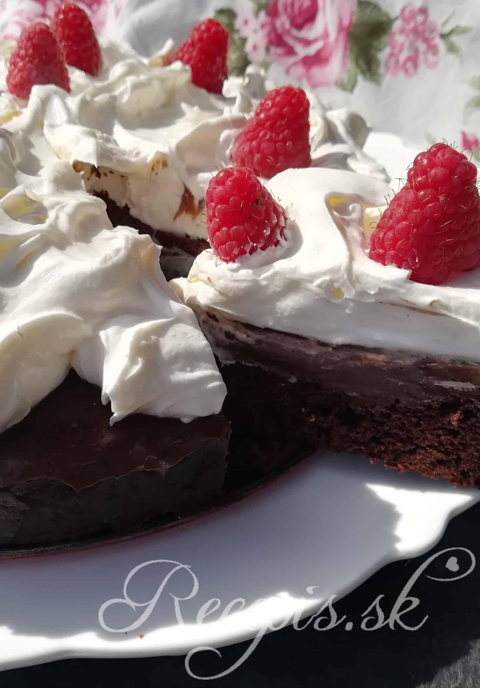 Výborná čokoládová torta s mokka plnkou