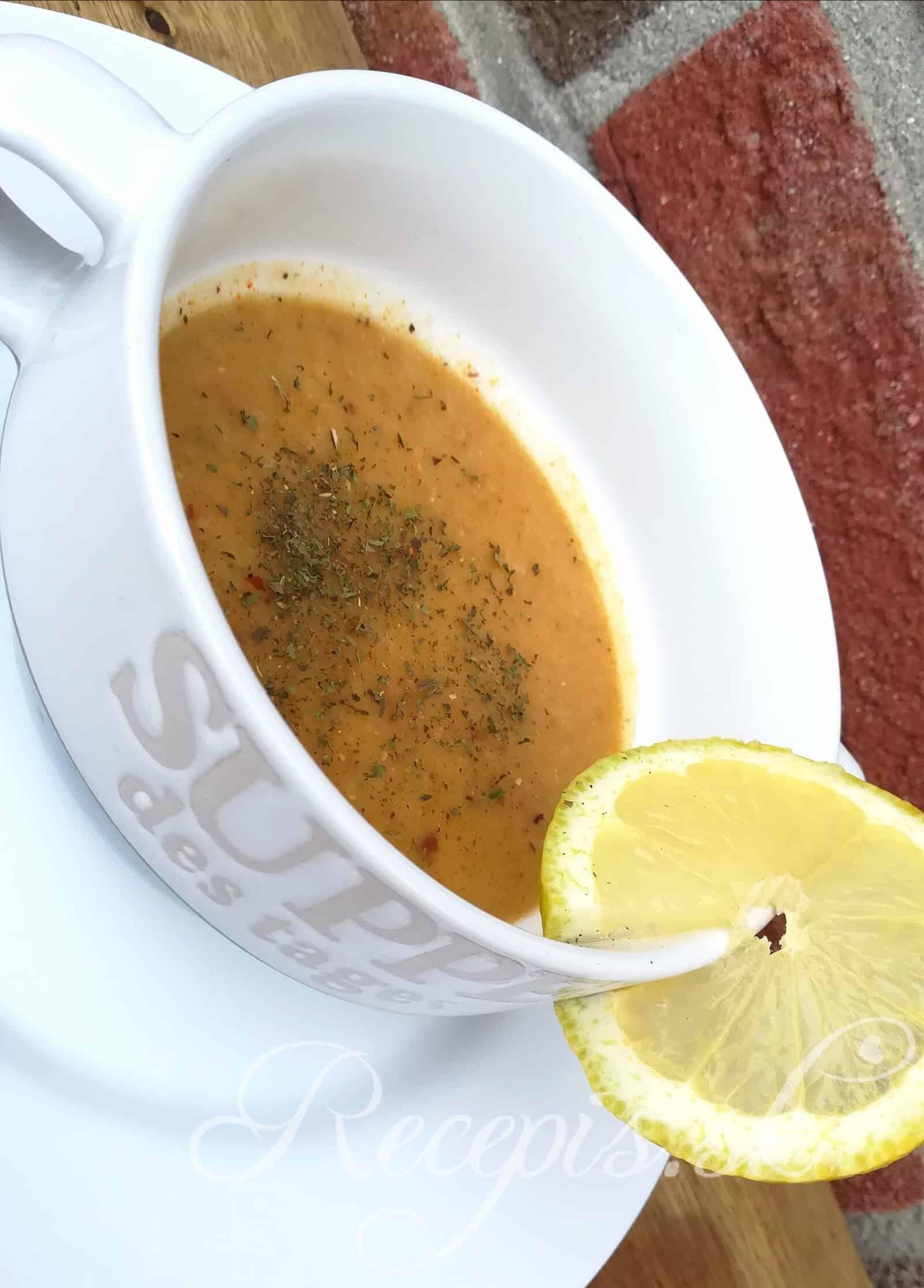 Turecká hŕstková polievka z červenej šošovice