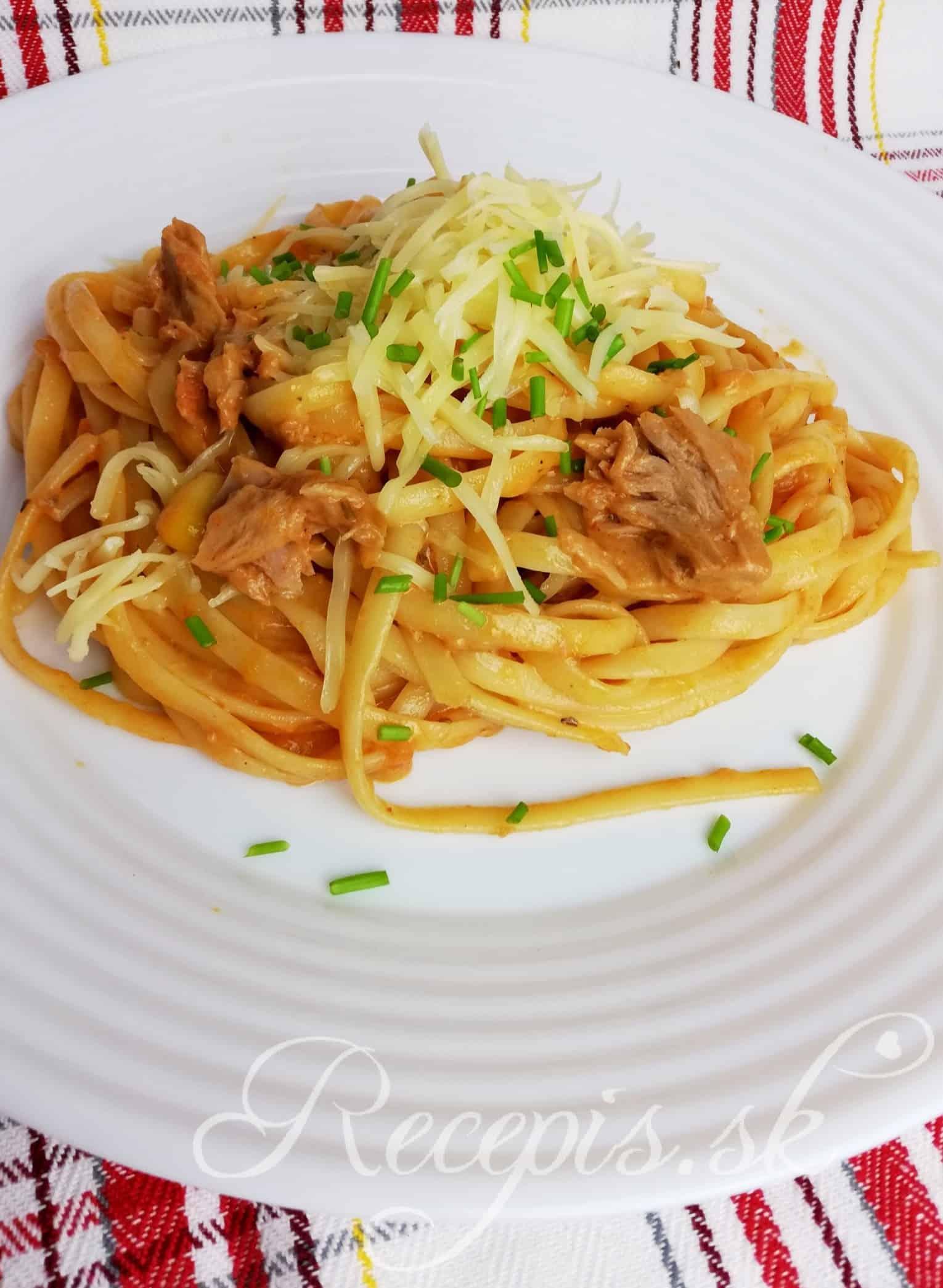 Nenáročné krémovité tuniakové špagety