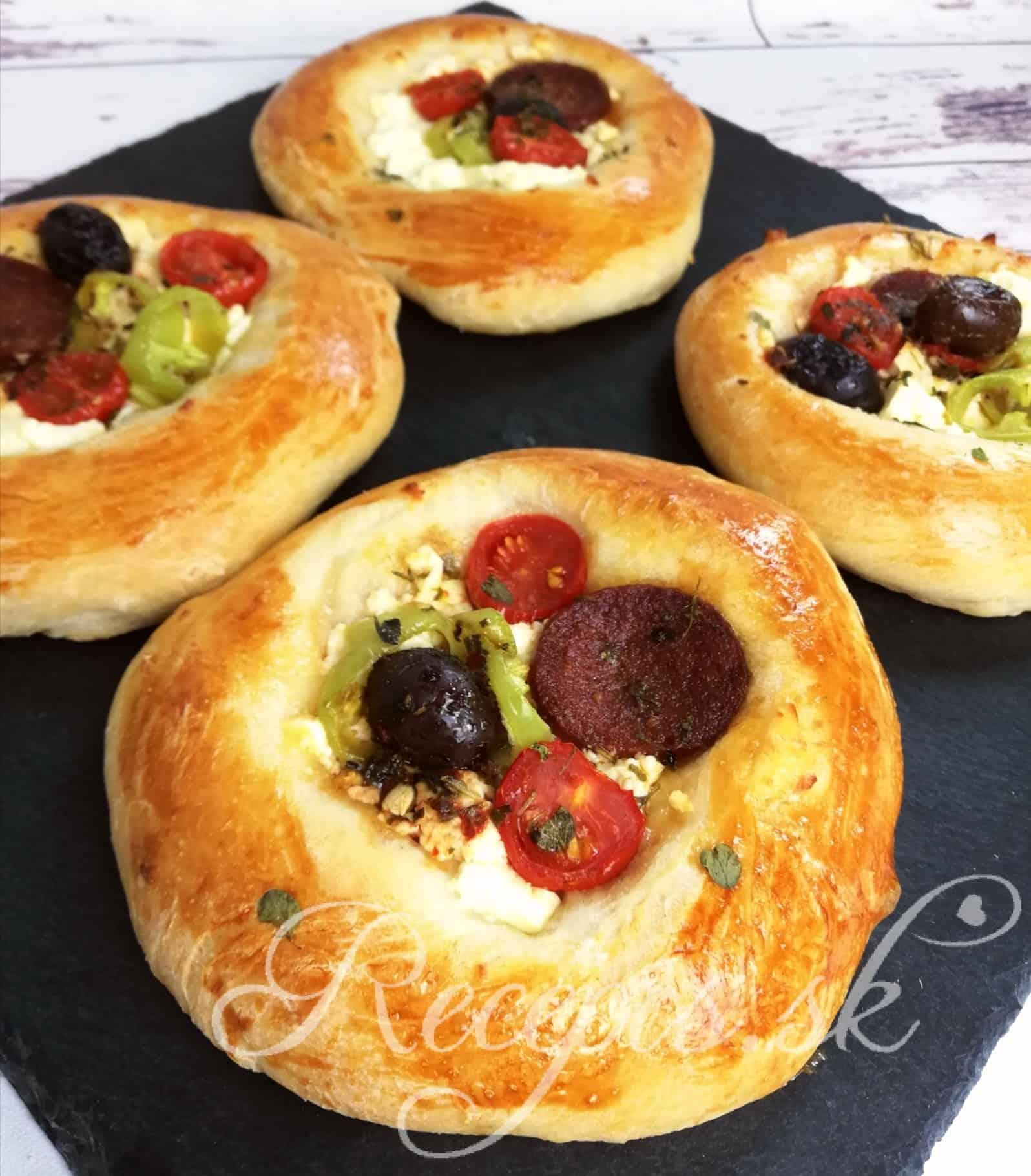Kysnuté žemličky so zeleninou a feta syrom