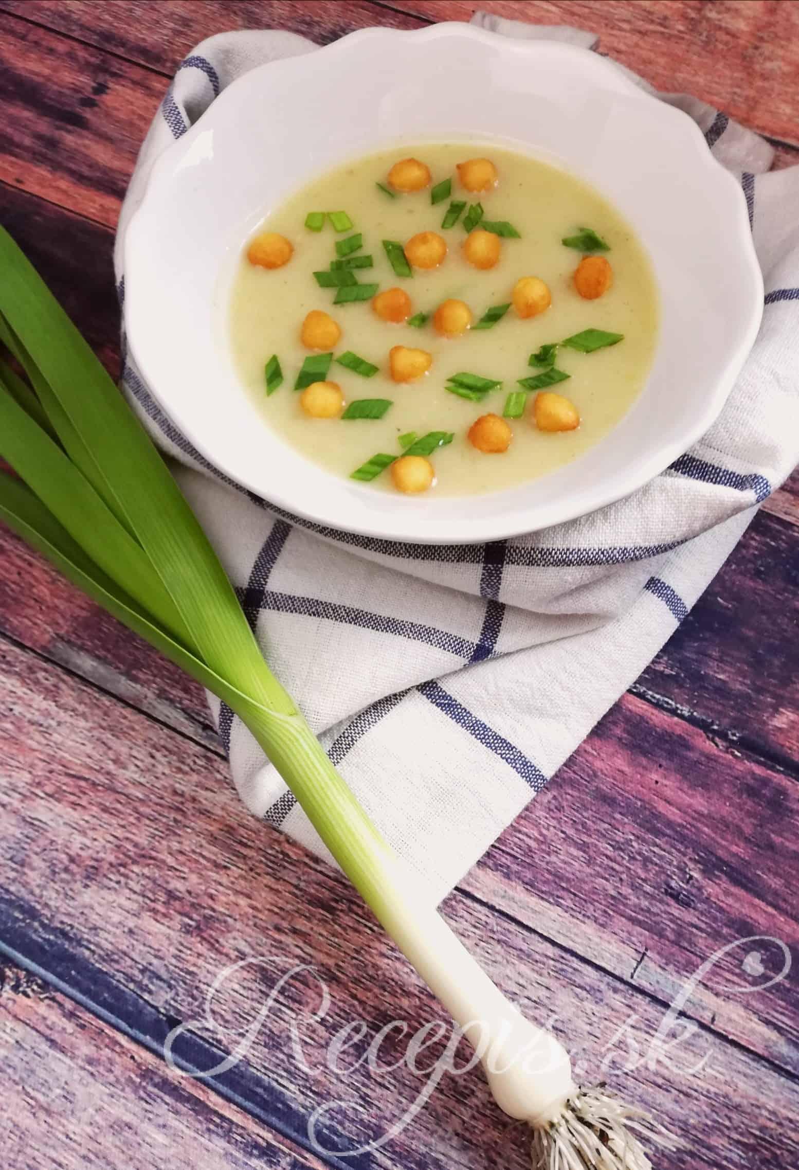 Krémovitá pórová polievka