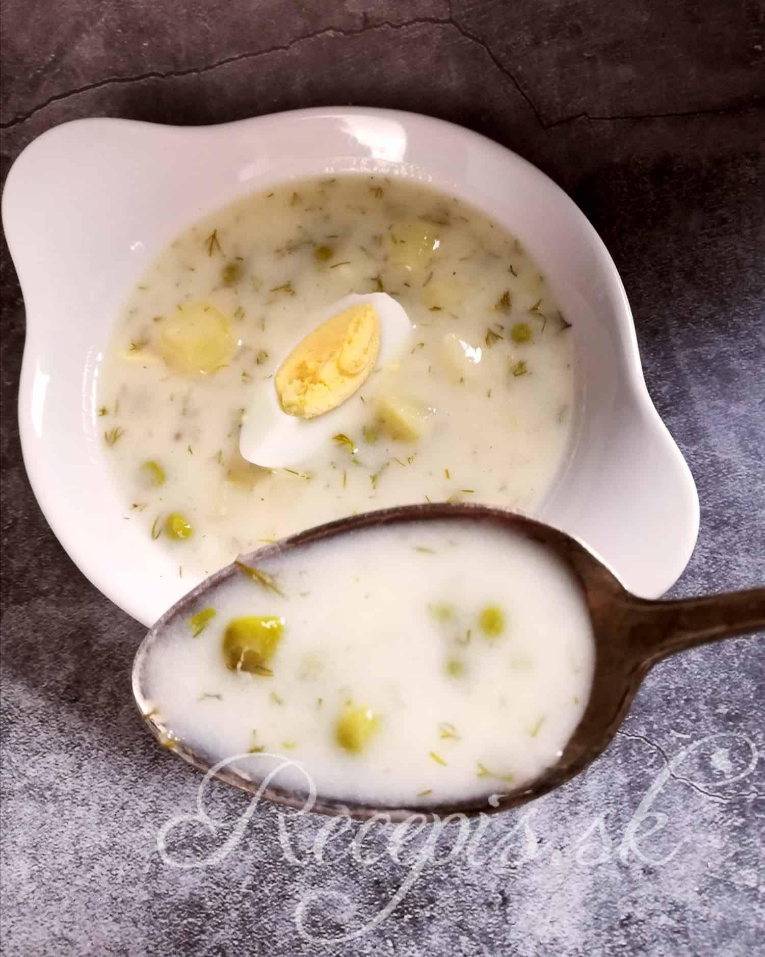Hrášková polievka s kôprom