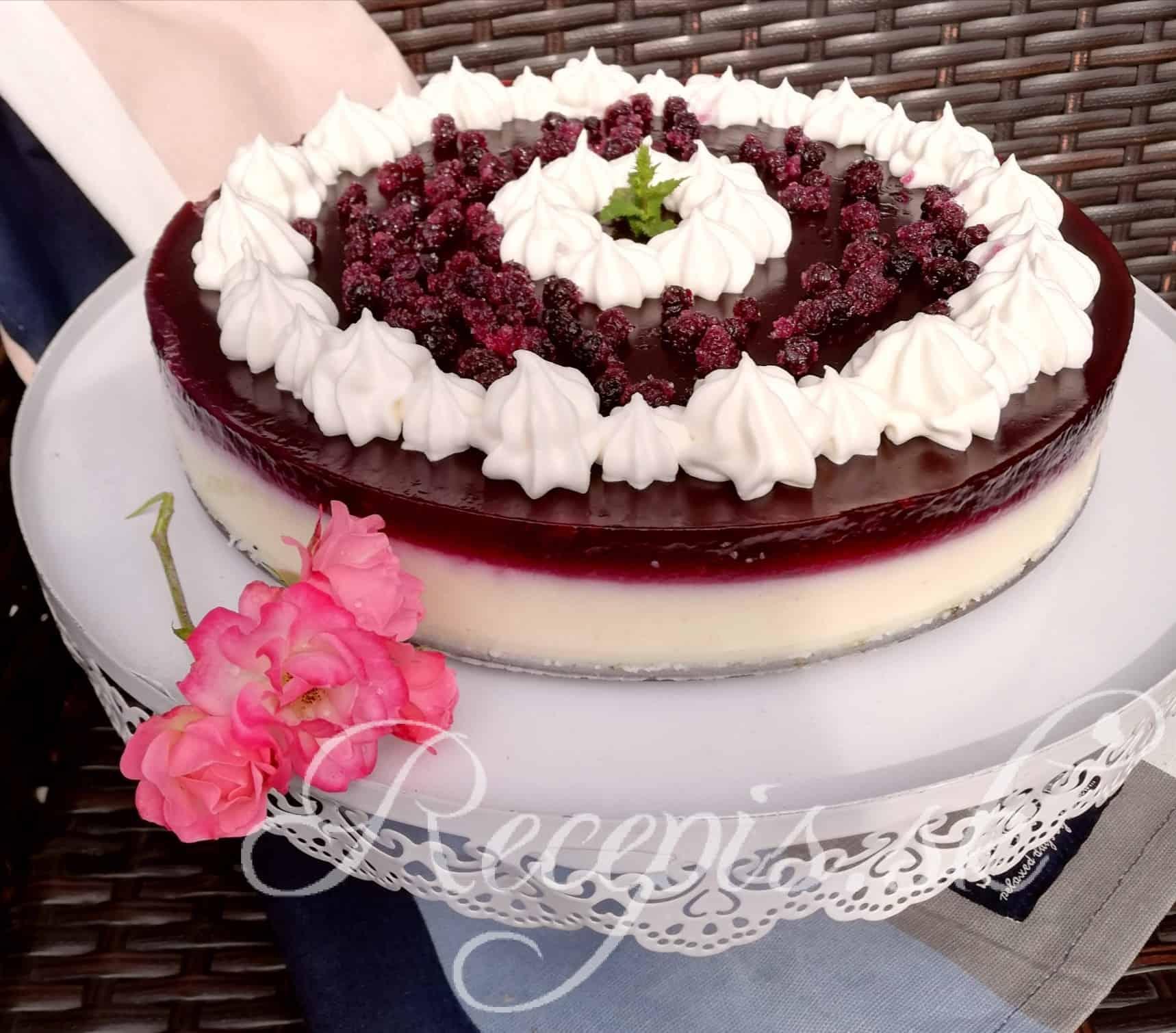 Nepečená krupicová ovocná torta
