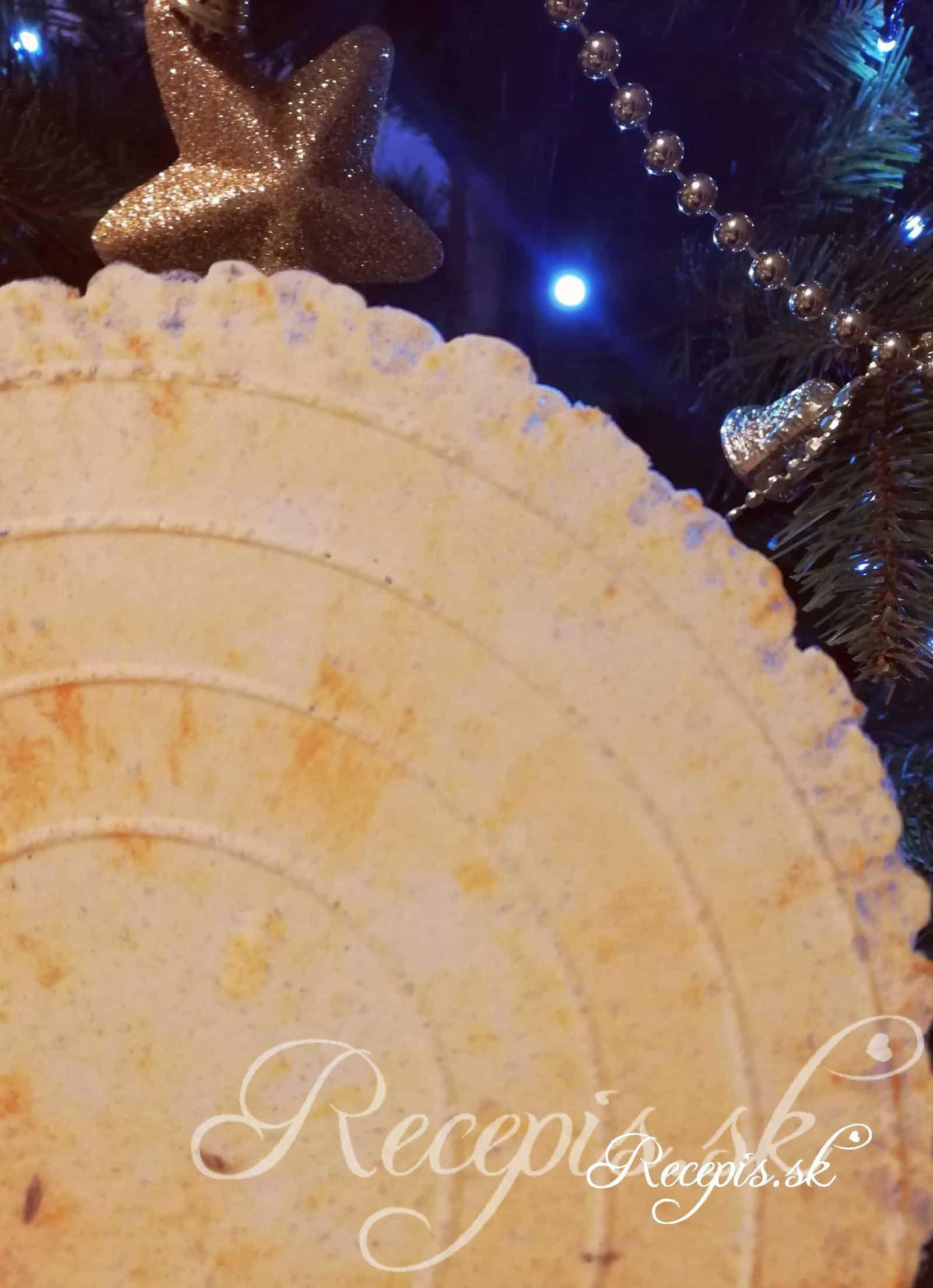 Silvestrovské slané syrové oplátky