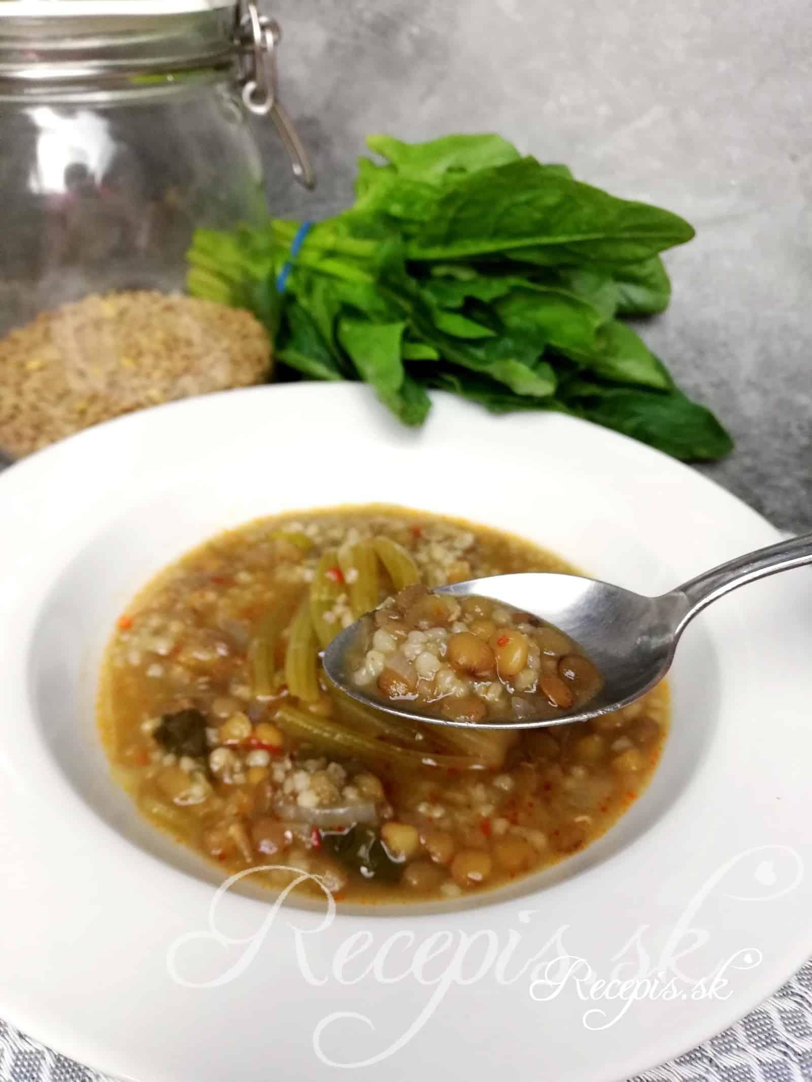 Šošovicová polievka so špenátom