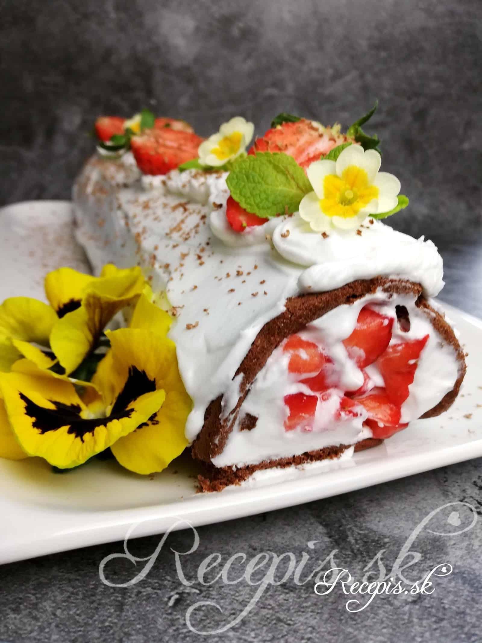 Lyžičková jahodová roláda