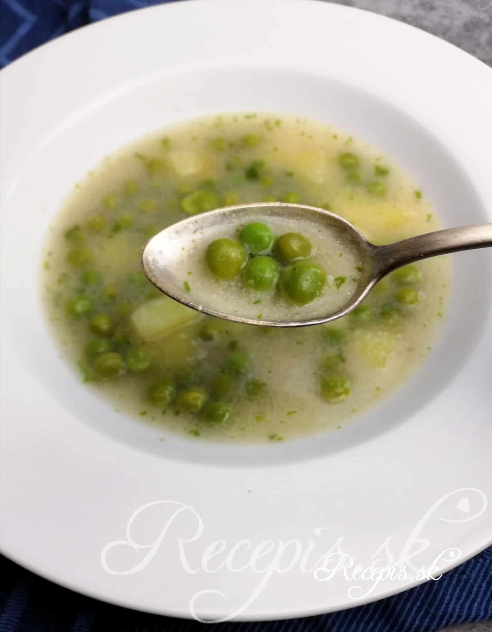 Jednoduchá krupicová zeleninová polievka
