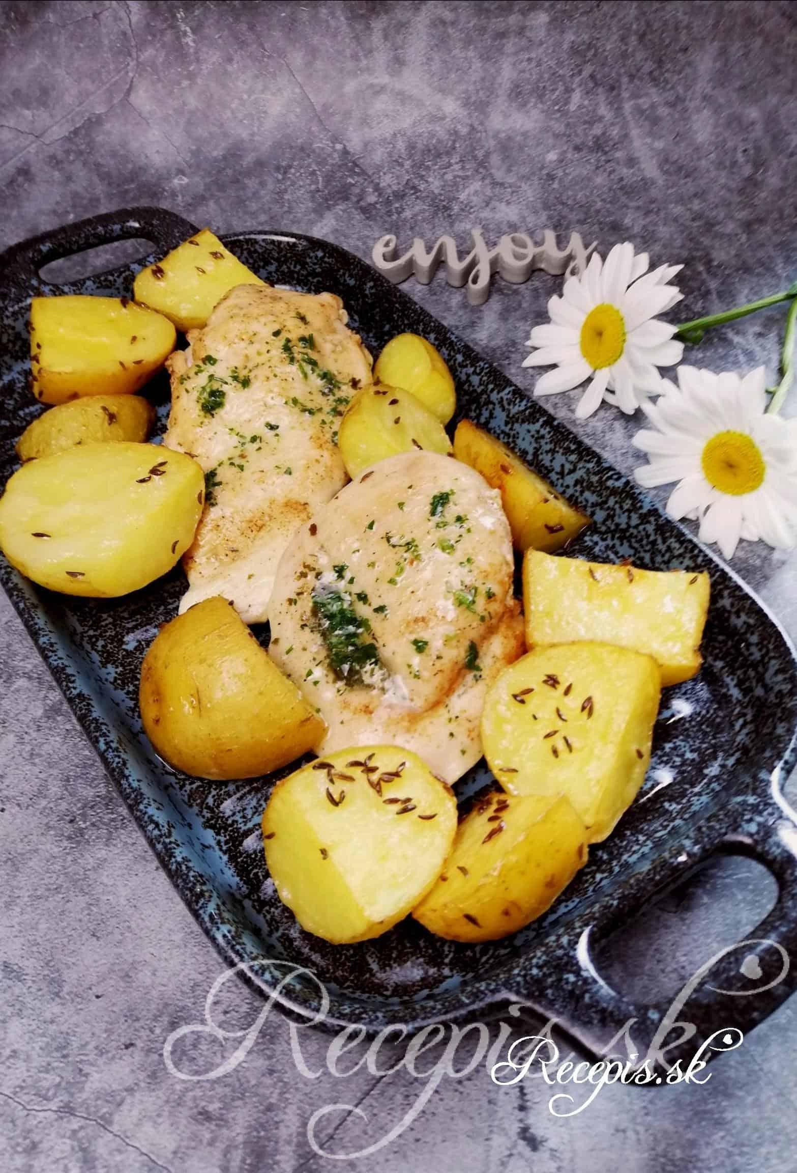 Šťavnaté kuracie prsia plnené bylinkovým maslom
