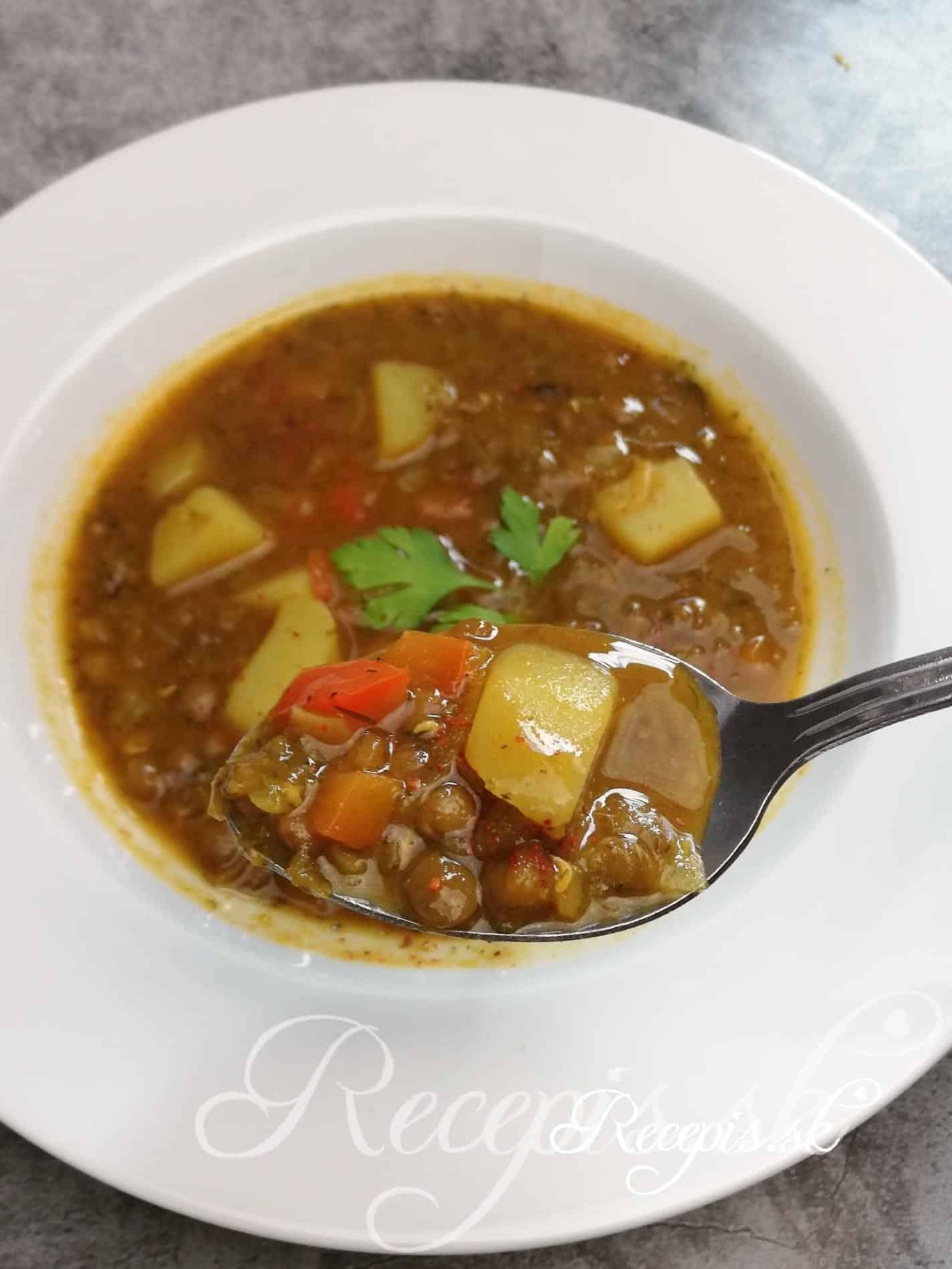 Orientálna šošovicová polievka