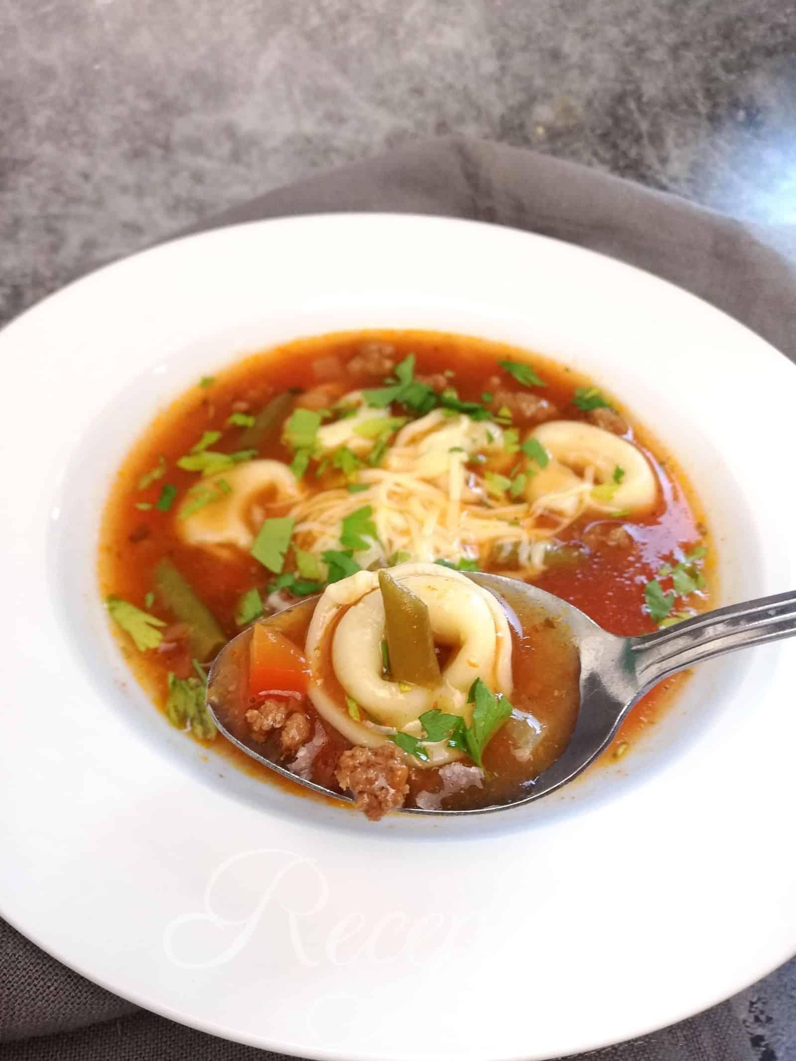 Tortellinová polievka
