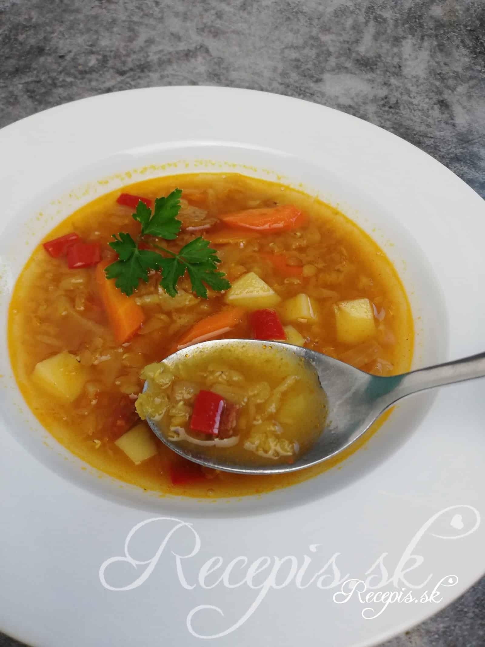 Sýta polievka z bielej kapusty