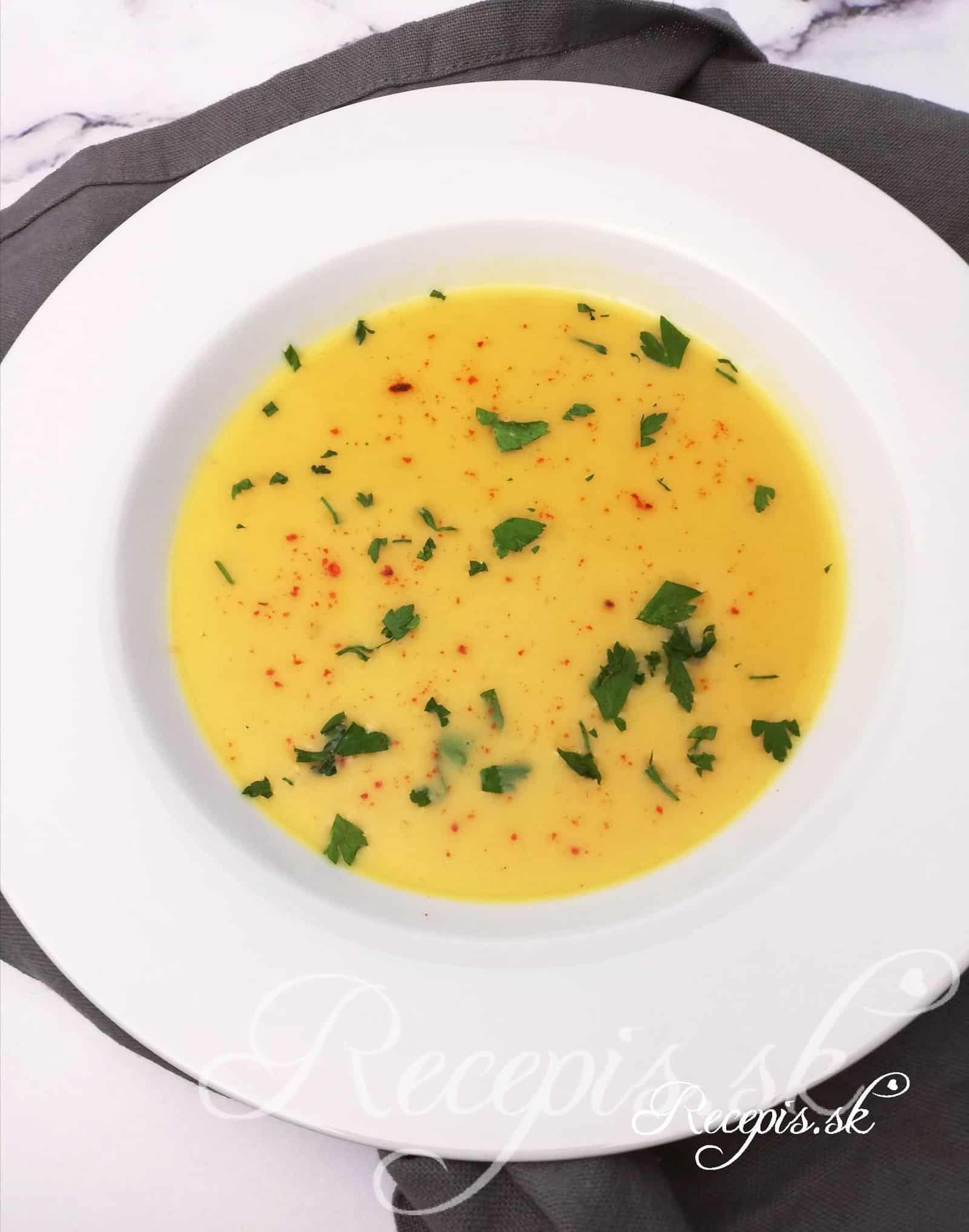 Krémovitá tekvicová polievka so zázvorom