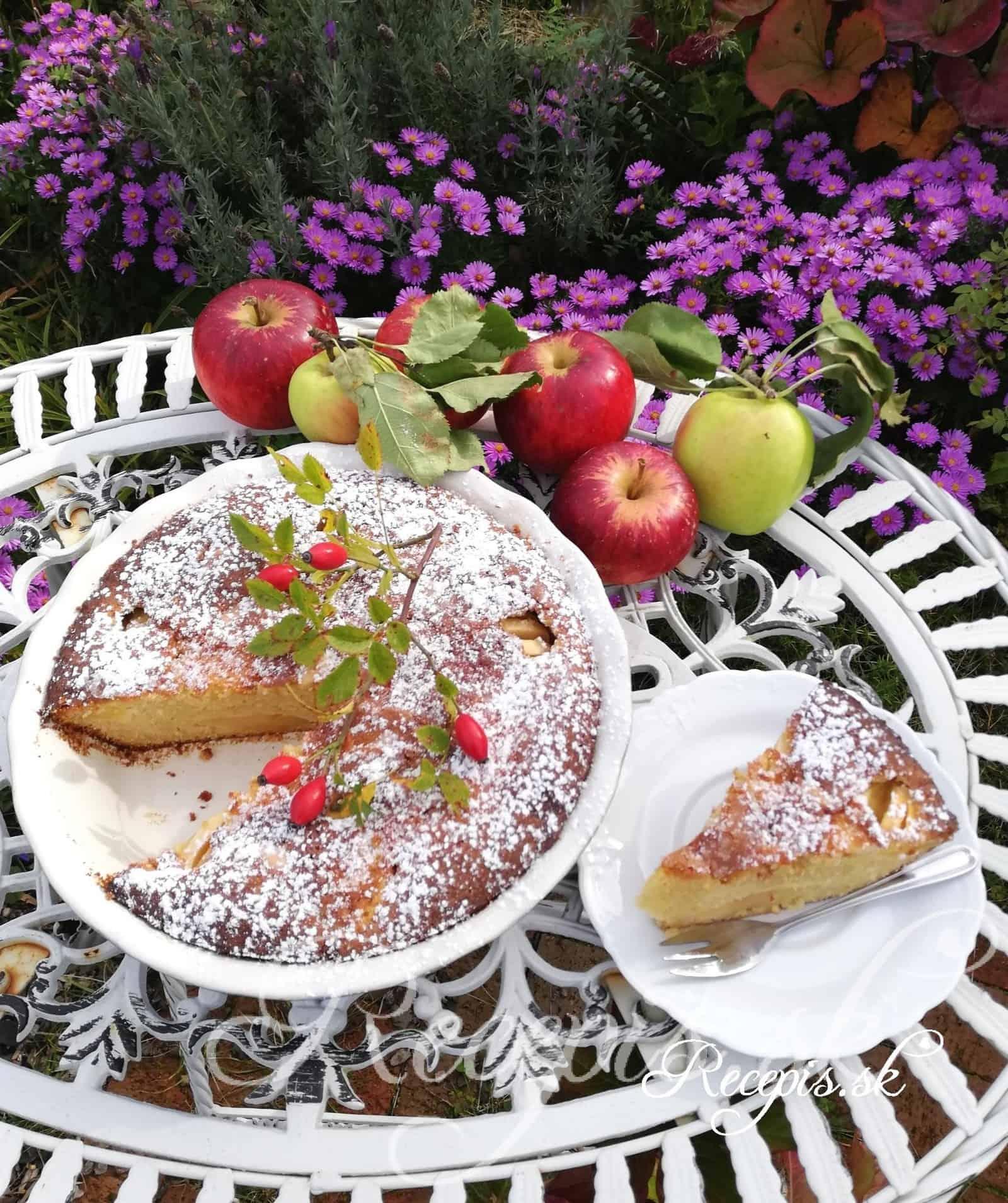 Bleskový jablkový koláč s mandľami